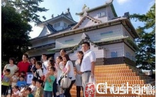 日本人用10万多个易拉罐码出世界最大艺术品