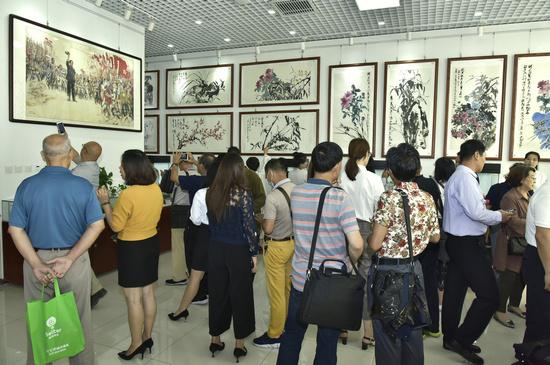 纪念改革开放40周年暨毛泽东同志诞辰125周年――全国名家书画展在京开幕